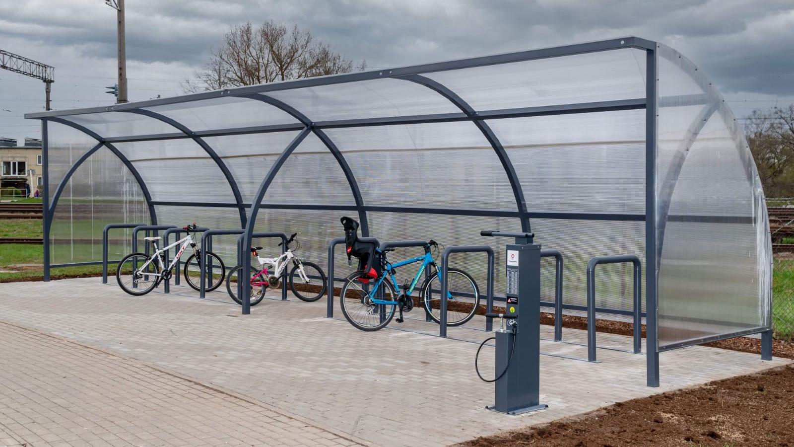 Olaines novadā izveidotas 11 velosipēdu apkopes stacijas un velonovietne pie Olaines dzelzceļa stacijas